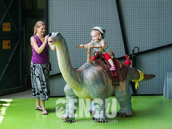 Walking Dinosaur Rides