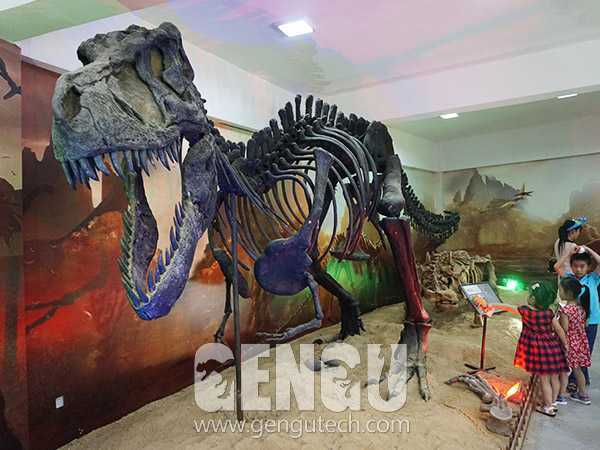 Fiberglass T-REX Dinosaur Bring You To Prehistoric Time