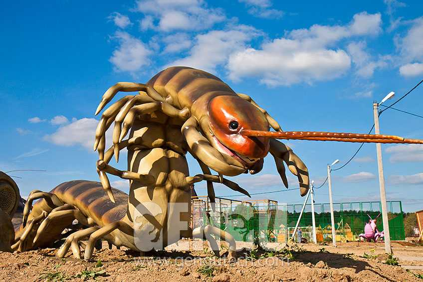 Playground Decoration - Giant Animatronic Insect