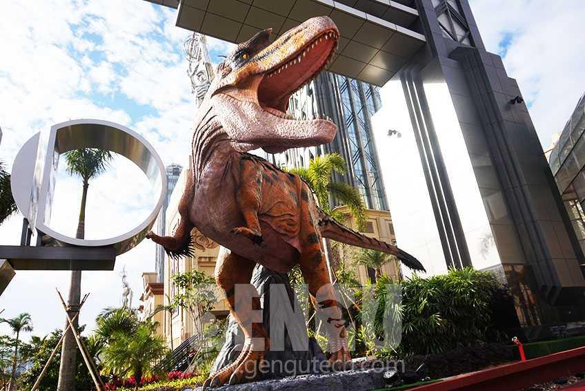 Ten Carnivorous Dinosaurs -- Tyrannosaurus Rex