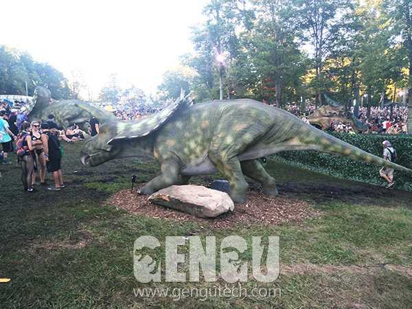 Pentaceratops2