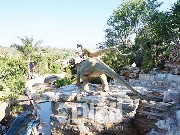 Fighting Dinosaur(AD-1365)